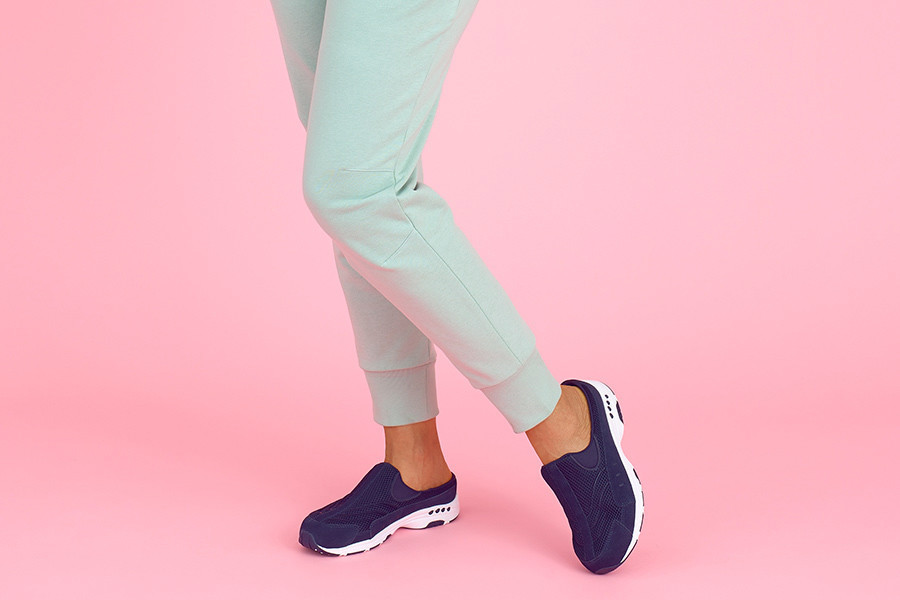 7 Podiatrist-Recommended Shoes That Are Fashionable and Comfortable